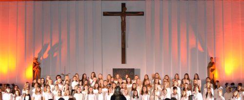 Das Adventsingen der Mittelschülerinnen in der Kapelle des Instituts St. Josef vermochte Herzen und Seelen zu berühren.Institut St. Josef
