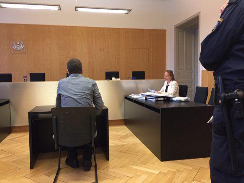 Der Angeklagte nahm das Urteil mit großer Bestürzung auf.VN/GS