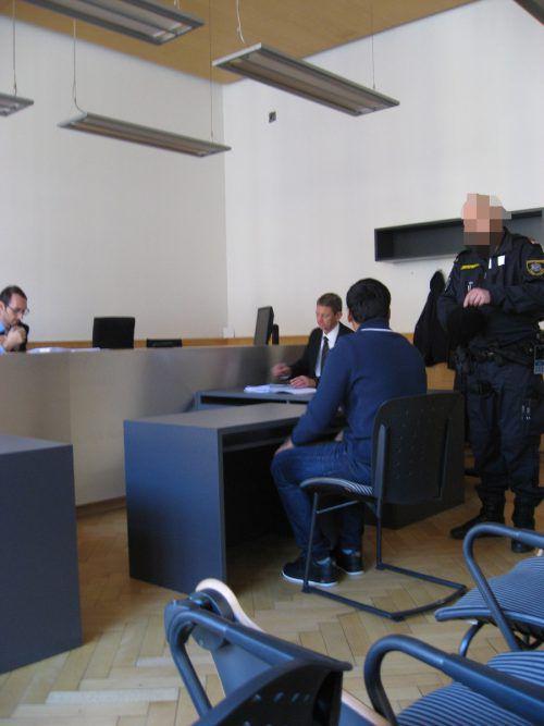 Der Angeklagte versuchte nach dem Urteil Bedingungen zu stellen.Ec