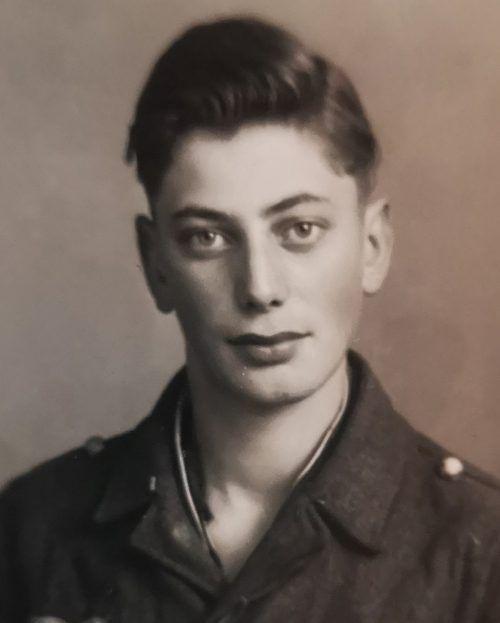 Der Jubilar im Jahr 1944.