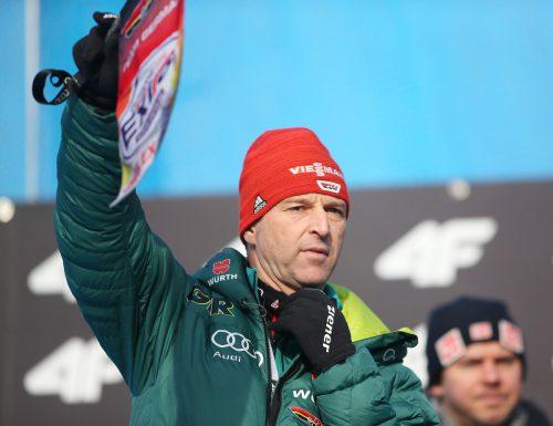 Der Kleinwalsertaler Werner Schuster konnte mit der Leistung seiner Mannschaft zufrieden sein. Sieben seiner Springer schafften es in die Punkteränge.Gepa