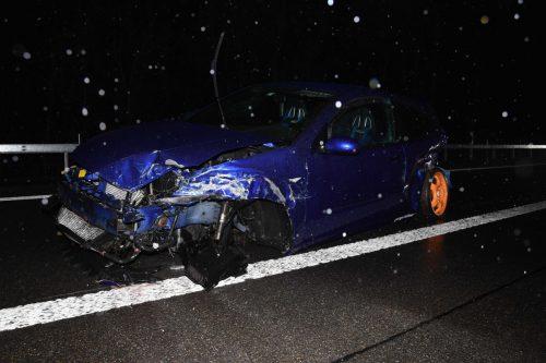 Der Unfall auf der Autobahn hatte eine Folgekollision ausgelöst. kapo
