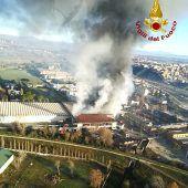 Müll-Rauchwolke zieht nach Rom