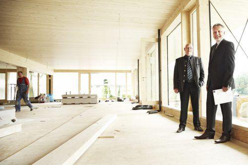 Die beiden Geschäftsführer von 1zu1, Hannes Hämmerle (l.) und Wolfgang Humml, investieren bis 2020 erneut sechs Millionen Euro in den Standort Dornbirn. 1zu1