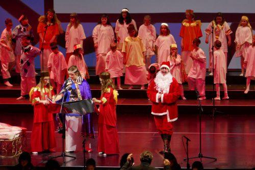 Die Darsteller begeisterten das Publikum bei drei Aufführungen.