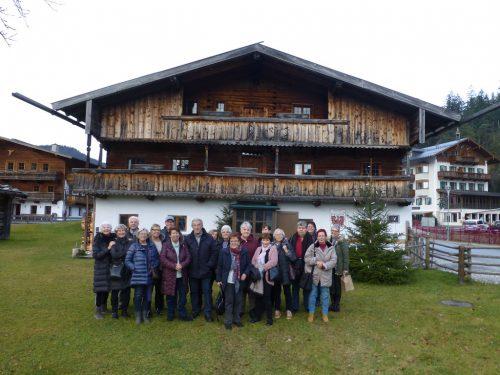 Die Hörbranzer Senioren besuchten die Bergweihnacht im Sixenhof. sb hörbranz