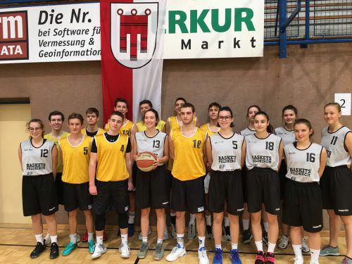 Die Mädchen des BG Feldkirch-Schillerstraße und die Burschen des Sportgymnasiums Dornbirn beim Bundesfinale in Oberwart.Khüny
