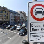 Beim Dieselgipfel wollen Städte mehr Geld