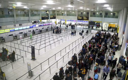 Dutzende Drohnen-Störaktionen hatten den Airport tagelang lahmgelegt. ap