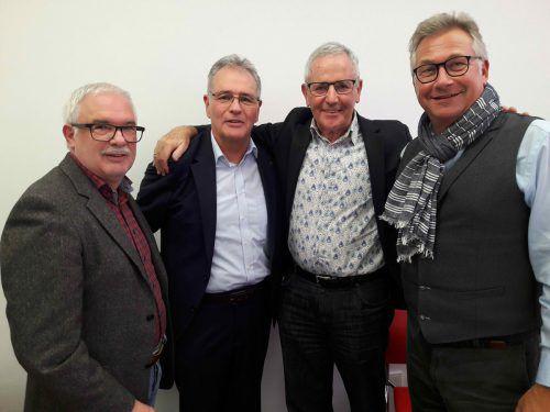 Edgar Mayer (2. v. l.), Josef Fink mit Ferdinand Armellini (l.) und Michael Peter (r.). Verband