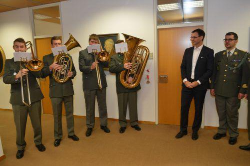 Ein Ensemble der Militärmusik Vorarlberg sorgte im Landhaus für weihnachtliche Stimmung. VLK/Serra