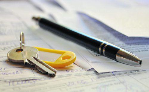 Es empfiehlt sich für Berechtigte, das Wohnrecht ins Grundbuch eintragen zu lassen.foto: shutterstock