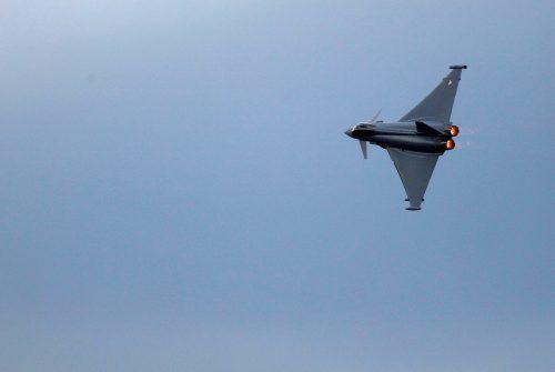 Eurofighter-Frage: Kurz will abwarten, Kunasek fordert eine rasche Entscheidung. APA