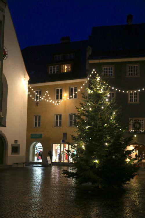 Feldkirch organisiert Weihnachtsfeier für alleinstehende Menschen. uysal