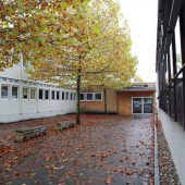 Sportgymnasium: Neubau bitte warten