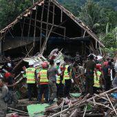 Verwüstung und mindestens 222 Tote nach Tsunami-Katastrophe in Indonesien. A2