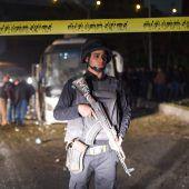 Todesopfer bei Anschlag auf Touristenbus bei Pyramiden von Gizeh in Ägypten. A2