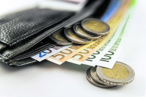 Geldprobleme Wenn ein Miteigentümer seinen Zahlungs-verpflichtungen nicht nachkommt, muss die Hausverwaltung reagieren.Fotos: Shutterstock