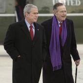 Flaggen für verstorbenen Bush senior auf Halbmast