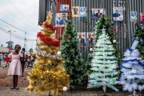 In Afrika sind viele der Weihnachtstraditionen von den Kolonialmächten importiert und geprägt worden. Sogar im Kongo finden sich Christbäume. afp