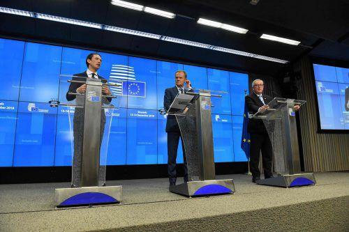 Kanzler Sebastian Kurz, EU-Ratspräsident Donald Tusk und EU-Kommissionschef Jean-Claude Juncker beendeten den EU-Gipfel.afp