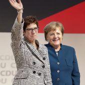 Neue CDU-Chefin will Merkel auch Paroli bieten
