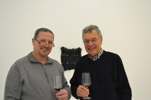 Künstler Michael Mittermayer und Georg Comploj (r.).