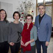 """<p class=""""caption"""">Luden zum Advent in Arbogast: Gerda Zimmermann, Barbara Bell, Irmgard Konrad und Daniel Mutschlechner. Franc</p>"""