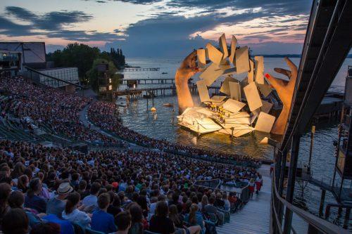 Mit den 270.000 Gästen der Bregenzer Festspiele kamen 486.000 Besucher ins Festspielhaus. sams