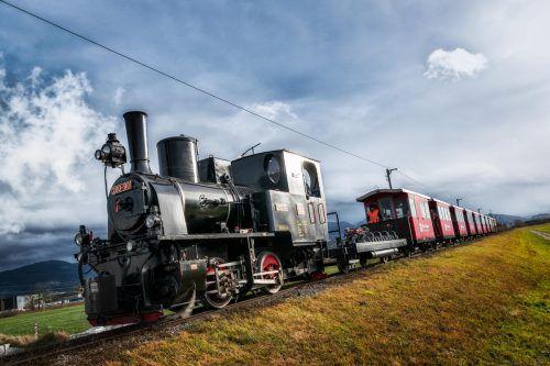 Mit der Dampflok ging er zur Rheinmündung, wo der Nikolaus bereits wartete. VN/Stiplovsek