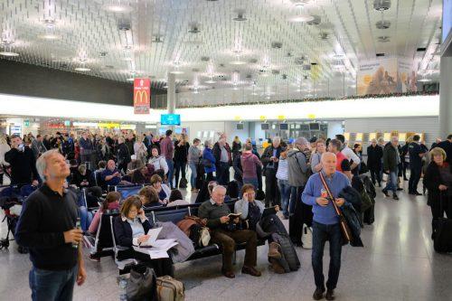 Nach den Wartezeiten am Samstag hat sich der Flugbetrieb wieder normalisiert. DPA
