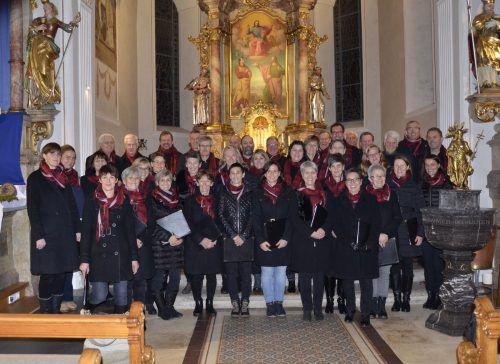 Neu eingekleidet zeigte sich der Chor Audite beim Adventsingen am dritten Adventsonntag in der Pfarrkiche in Schoppernau. mam