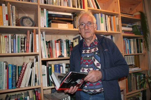 Robert Häusle hatte die Idee zu einer neuen Dorfchronik.vn/jlo