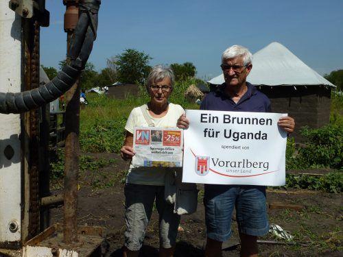 Ruth Warger und Richard Burtscher halfen bei der Errichtung eines Brunnens in Uganda. Burtscher