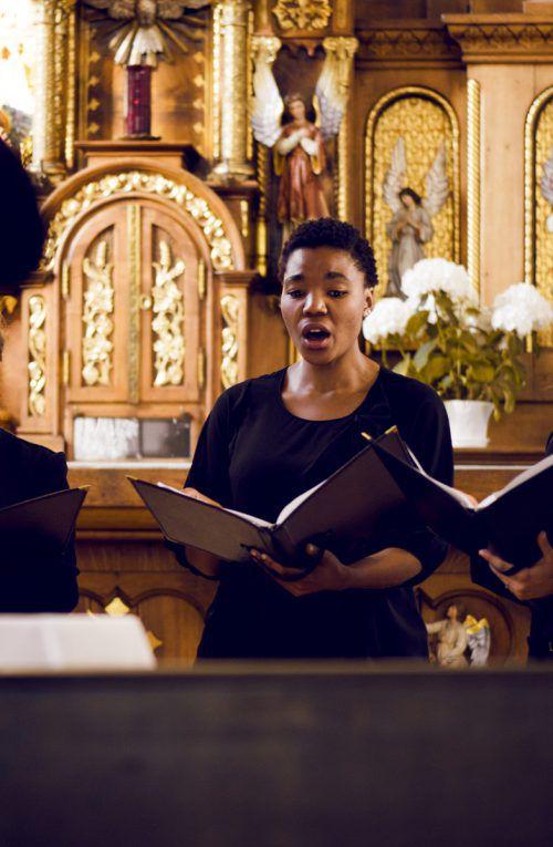 Sänger und Musiker boten Adventmusik auf höchstem Niveau dar. Stadt