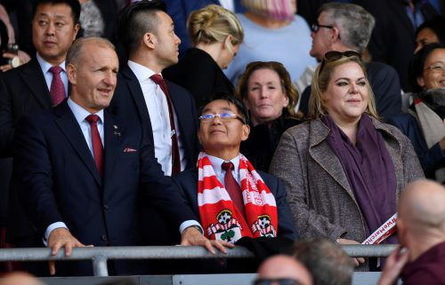 Southampton-Chairman Ralph Krueger (l.)mit dem Klubboss. afp