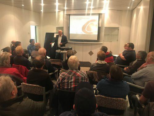 Über 40 Besucher informierten sich über das geplante Sonnenkraftwerk. STO