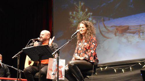 """Unter dem Titel """"A bissle Weihnacht"""" spielten Toni und Margit Knittel, besser bekannt als """"Bluatschink"""", auf der Götzner Kulturbühne.Loacker"""