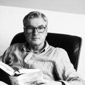 Uwe Kossack stellt Bücher im Theater am Saumarkt vor