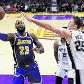 Pöltl und San Antoniounterlagen auch den Lakers