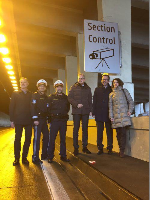 Vertreter der Asfinag, Polizei und Politik stellten am Mittwoch in St. Jakob die neue Section Control im Arlbergtunnel vor. vn/gs