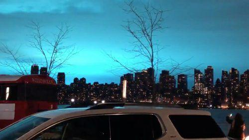 Von Weehawken aus zeigte sich der Himmel über New York ungewöhnlich blau. Reuters