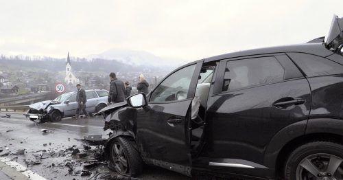 Der Unfall ereignete sich am 24. Dezember auf der L 26. Am Freitag fand der Prozess statt. FW Egg, EC