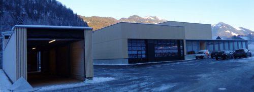 Wie angestrebt konnte Bischofberger Transporte den neuen Firmensitz in Reuthe noch vor Weihnachten in Betrieb nehmen.