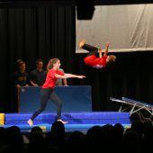Rankweils Turner begeisterten als akrobatische Filmstars