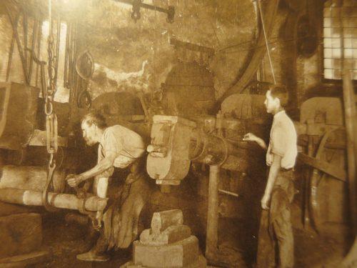Alte Hammerschmiede der Rüsch-Werke im Jahr 1914.rha