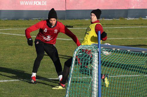 Am Mittwoch waren sie noch gemeinsam aus der Heimat angereist, gestern absolvierten dann Lukas Jäger (links) und Georg Margreitter das erste Training in Nürnberg.Zink