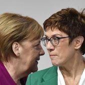 Kramp-Karrenbauer und Merkel im Trend