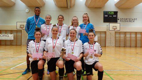 Auch die Sportgymnasium-Mädels gingen als beste Spieler des Landes vom Platz.cth