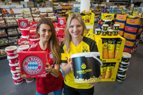 Bayern-Fan Alma und BVB-Anhängerin Juliane haben auf Fanfood von Gunz gewartet. Die Produktinnovation ist ein Erfolg.VN/PS